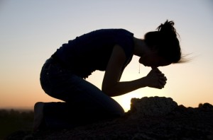 woman-praying-on-knees1-1024x679